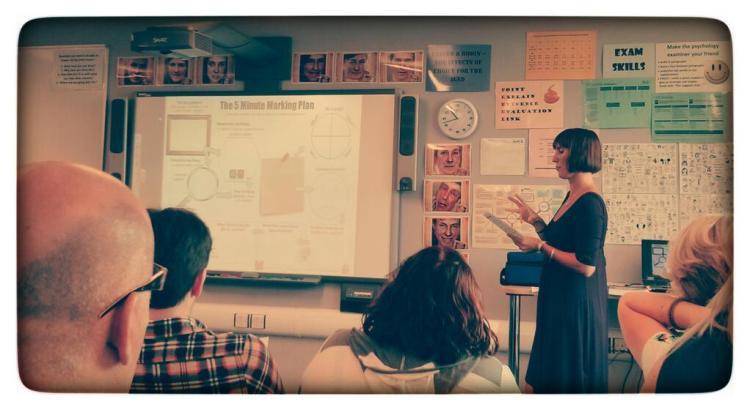 """Mrs Murton aka @DodoMurt:   """"@NatashaRoberts5 presenting the #5minmarkingplan at @MeltonValeP16 staff inset."""" https://twitter.com/DodoMurt/statuses/373018673021464576"""